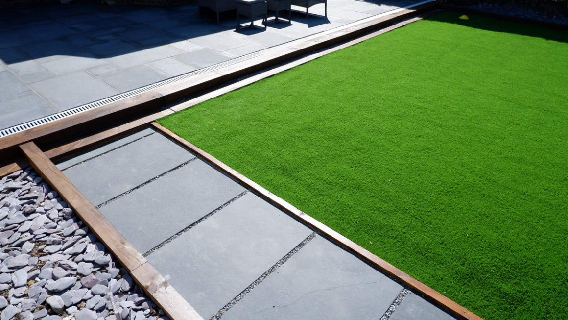 Where To Find Artificial Grass For Dogs London?